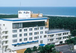 ホテル・ニューカネイ